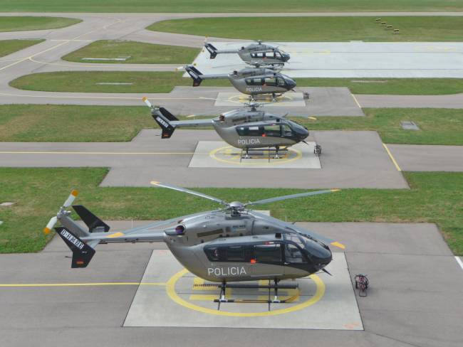 Bell206b besides Messerschmittme 110destroyer moreover Bell Helicopter Chopper 2 Board Crashes Texas furthermore 4488 together with 2614 Helicopters Pack Mod V10 For Fs 15. on twin engine helicopters